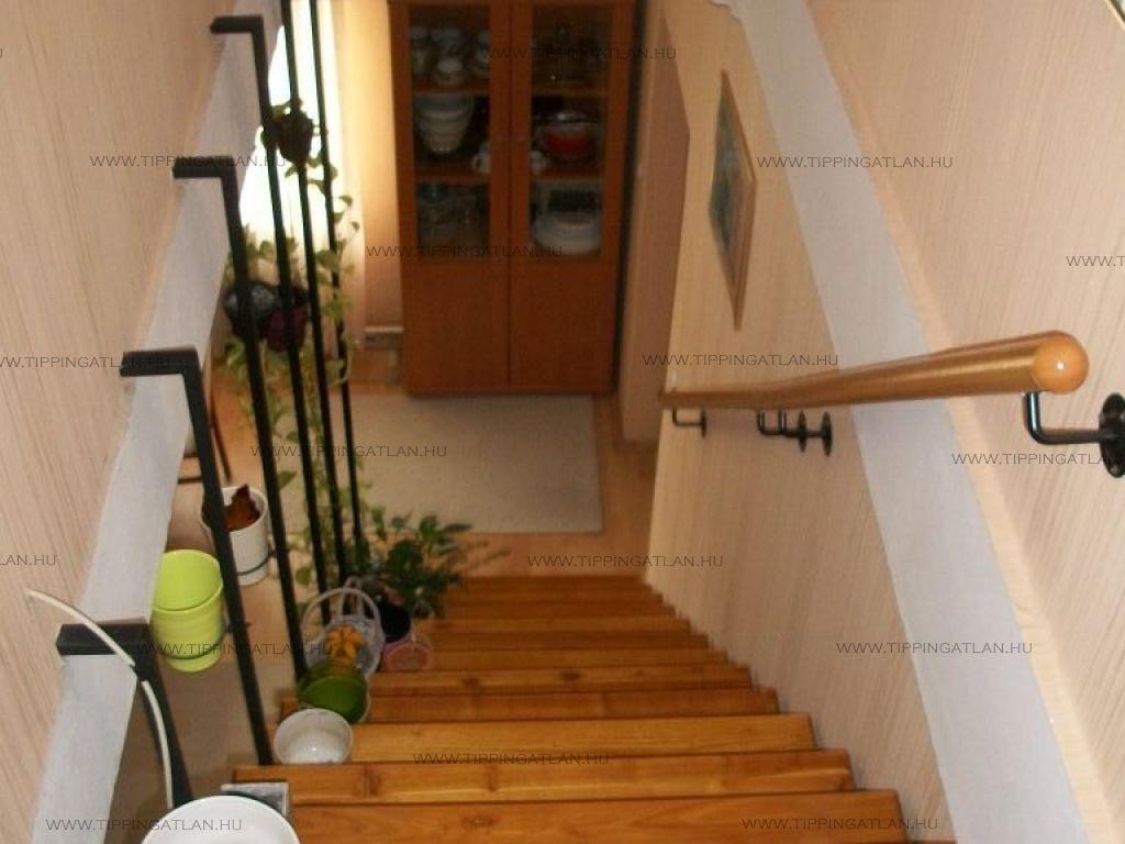 Eladó 148 m2 ház - Vác