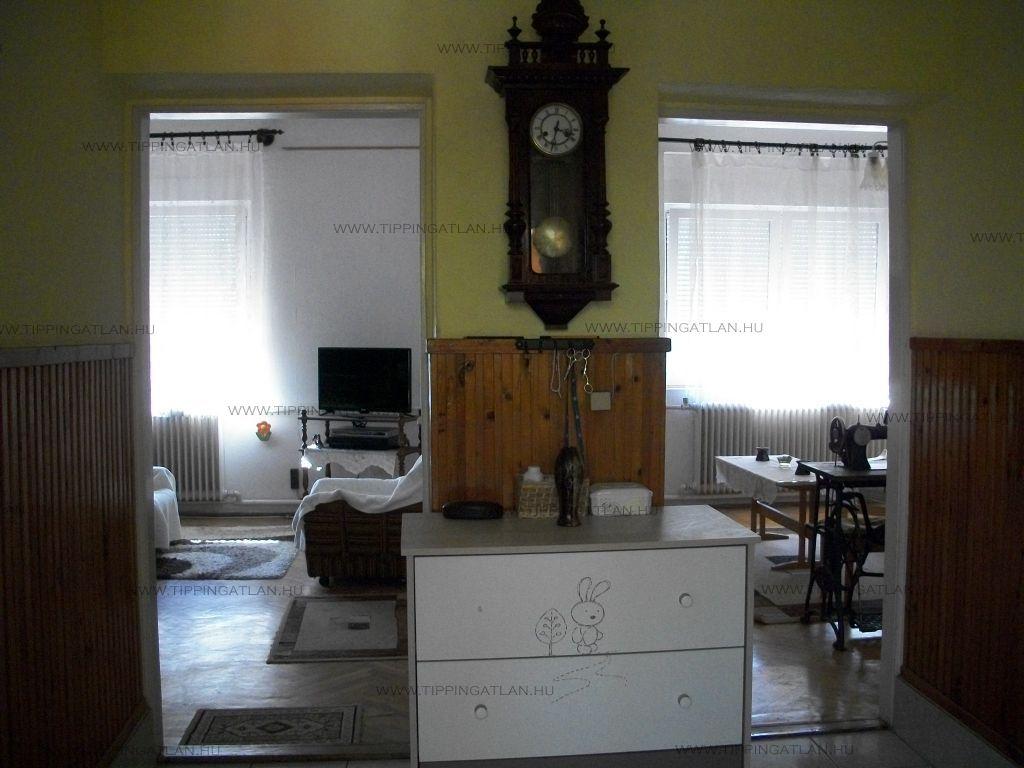 Eladó 90 m2 ház - Váchartyán