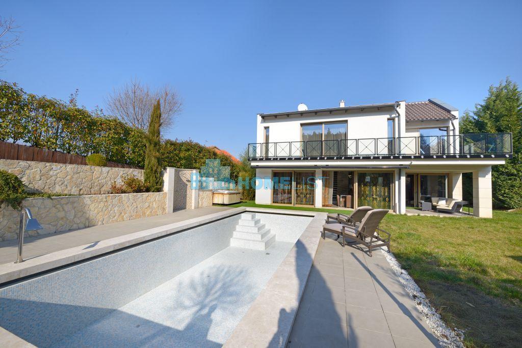 Eladó 294 m2 ház - Velence