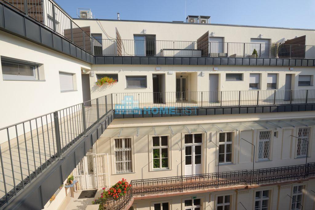 Kiadó 102 m2 lakás - Budapest V.