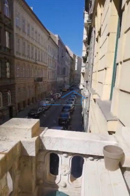 Kiadó 130 m2 lakás - Budapest V.