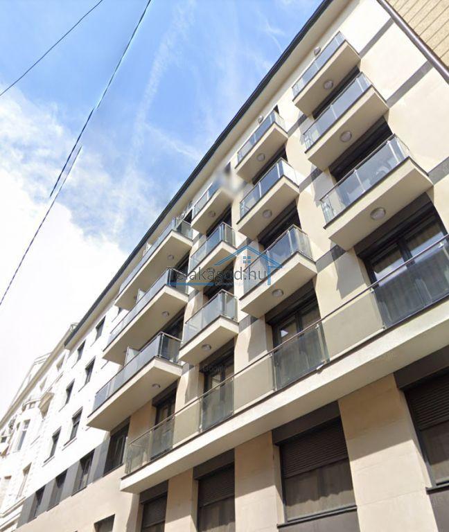 Kiadó 70 m2 lakás - Budapest VI.